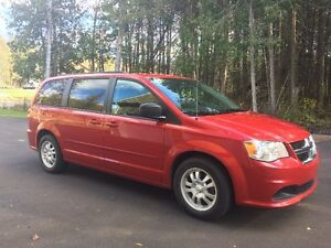 2013 Dodge Grand Caravan SXT PLUS Minivan, Van