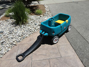 Step 2 Green Wagon with Door and seats..... works great Kitchener / Waterloo Kitchener Area image 6