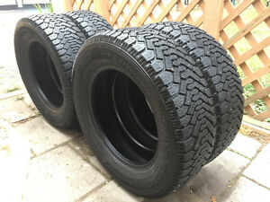 Full Set Of Goodyear Nordic Winter Tires Like New 225/60/16's