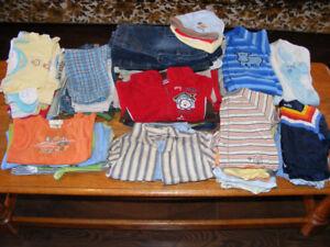 Vêtements garçon 0-3 mois (75mcx) (60$), manteaux (5$ chaque)