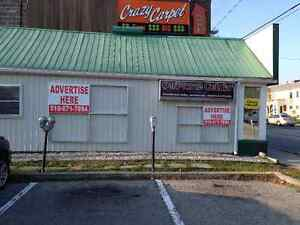ADVERTISING OPPURTUNITY 3'x4' and 2'x3' signs on QUEEN DONT MISS