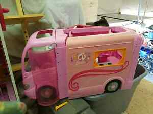 Barbie Bus