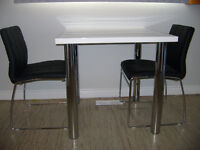 TABLE & 2 CHAIRS & END TABLES (Almost NEW)