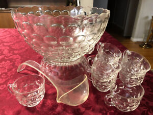 Punch bowl, ladle and 11 cups