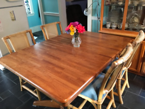 Hardwood Table set. Excellent condition with matching cabinet.