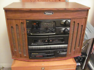 FOR SALE NICE COMPONENT STEREO WITH VINTAGE LOOK.