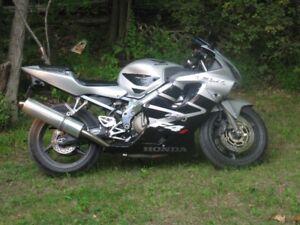 2001 Honda CBR F4i - Gray and Black