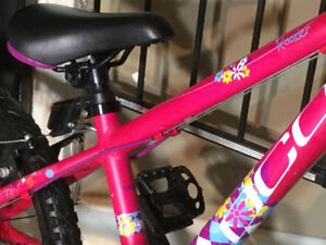 Vélo fille DCO ROADER roues 20 po cadre alu comme neuf