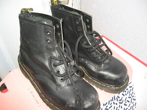USED Dr Martens Ladies size 8