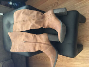 Steve Madden high boots gently used