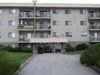 1 bdrm with view of Skaha lake top floor Avail March 15