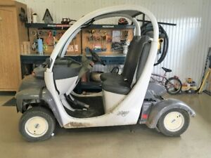 GEM E825 Golf Cart