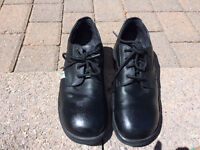 Men's Steel Toe Safety Shoes Size 10 - LIKE NEW!