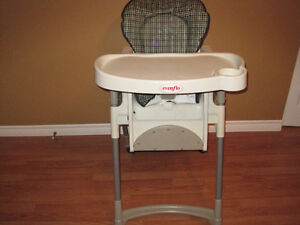 BABY HIGHT CHAIR