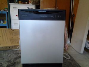 lave vaisselle frigidaire stainless