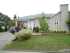 Maison à vendre 5185, rue des Lilas, L'Ascension