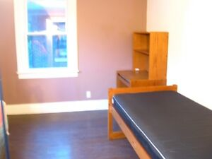4+ Bdrm in House near Univ Windsor Available May 1st