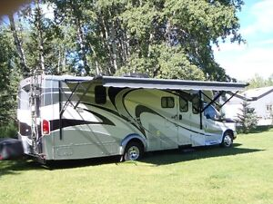 2011 WINNEBAGO ITASCA CAMBRIA 29ft in Imaculate Condition