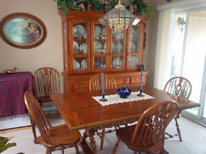 Koehler dining room table, 10 chairs, matching buffet