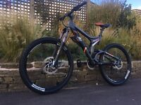 Scott nitrous 20 downhill bike, HIGH SPEC, LIKE NEW