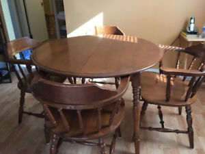 7 piece dining room set - great condition