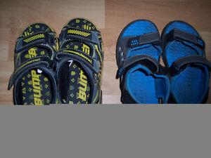 2 paires de sandales d'été pour garçon Grandeur 11 (ou 28)