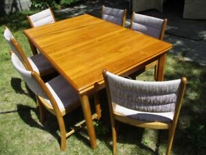 ESTATE MID CENTURY TEAK DINING TABLE & SIX CHAIRS