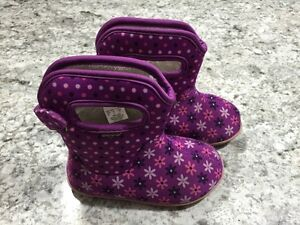 Toddler size 8 Boots (Bogs)