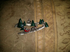 Christmas pin London Ontario image 1