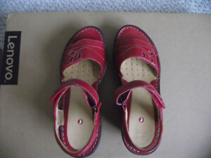 CLARKS RED LEATHER SANDALS