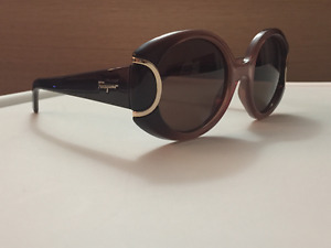 Ferragamo Signature Collection Sunglasses with oversize frame