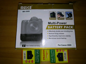 Battery grip & batteries for canon t2i t3i