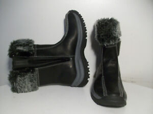 WiNTER BOOTS, NEW WATER RESiSTANT FULL- iNSULATiON Sz 6.5