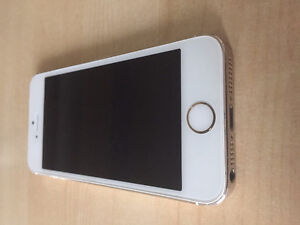 iPhone 5s - 16gb - locked to bell  - no finger print