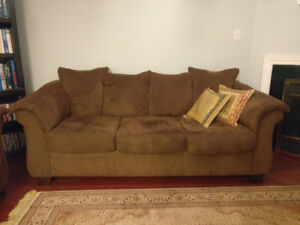 3 & 2 seater Big comfy couch/sofa clean