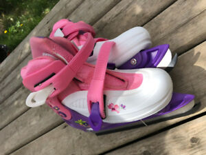Girls skates.. never worn