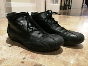 cb6c52315 Black Ecco shoes