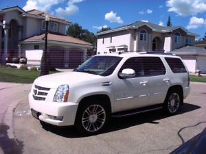 2012 CADILAC ESCALADE LUXURY SUV, CROSSOVER