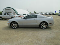 2005 Ford Mustang GT Leather Low Kms Nos