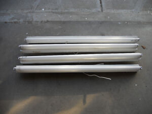 4  Foot Single Light Fixtures with Florescent Tubes