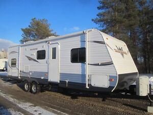 2014 Heartland Trail Runner 27FQBS Travel Trailer *BUNK MODEL*
