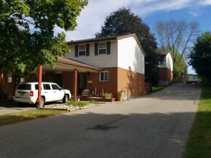 3 bedroom townhouse with finished basement!!