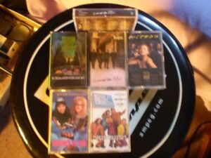 cassette 4 track beatle/rock & belles oreille/wayne world/mitsou
