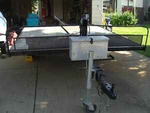8 FT X 10 FT ATV TRAILER WITH A PULL OUT RAMP