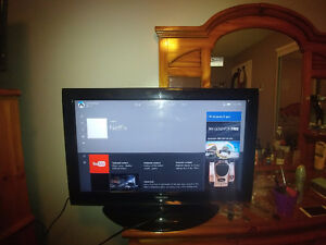 Toshiba flat screen T.V. 32in