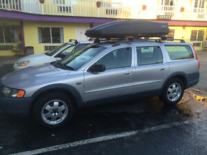 2001 Volvo V70 Wagon AWD w/ Thule and roof rack
