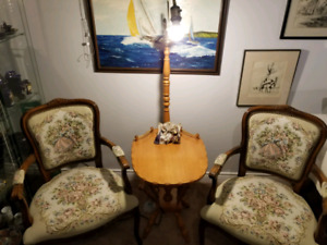 Vintage 3 piece set arm chairs and table lamp combo