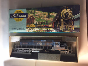 HO scale train Conrail SD40-2 dummy unit non-powered weathered