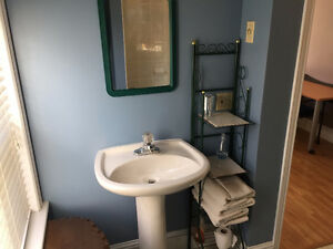 May 1 - Furnished room Halifax $675 Southend