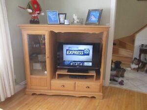 meubles de télé Poitras en frêne et 2 tables de salon Saguenay Saguenay-Lac-Saint-Jean image 2
